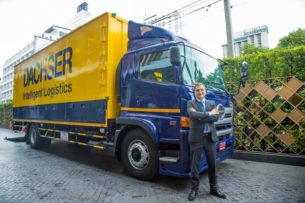 Jan-Michael Beyer, Managing Director Air & Sea Logistics Thailand took the opportunity to show the first Dachser trucks in Thailand.