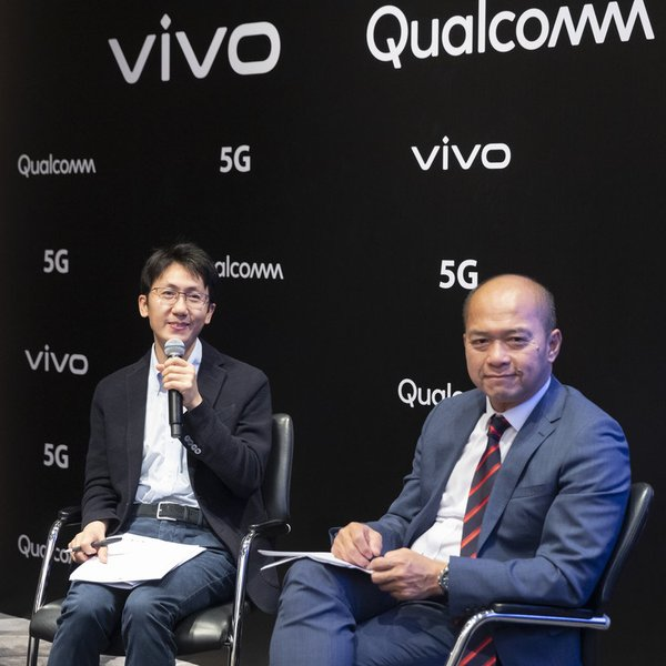 Qin Fei (left - Vivo) and ST Liew (right - Qualcomm)