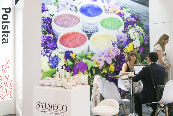 Cosmoprof Asia is the best sourcing platform for the beauty industry.