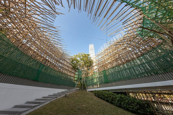 In the Peak 2019 Bamboo, plastic mesh, and artificial branches Dimensions variable Commissioned by M+, Hong Kong Installation view, 2019. Image: Winnie Yeung @ iMAGE28 Courtesy of M+, Hong Kong