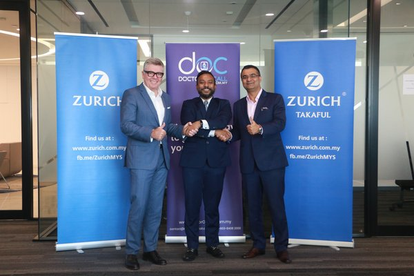 Zurich Malaysia's Country Head, Stephen Clark (left), together with DoctorOnCall's co-founder and director, Maran Virumandi (center) and Zurich Takaful Malaysia Berhad's Chief Executive Officer, Mukesh Dhawan (right) are excited to offer complimentary digital healthcare services to new Zurich customers.