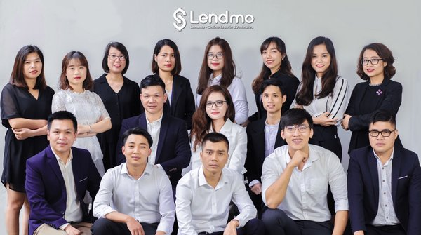 Ms. Trang Dao - CEO of Vay Muon with her Core Team. Starting with solely 5 members, VayMuon.vn now employs more than 150 staff working in 3 offices in Vietnam, Myanmar and Cambodia