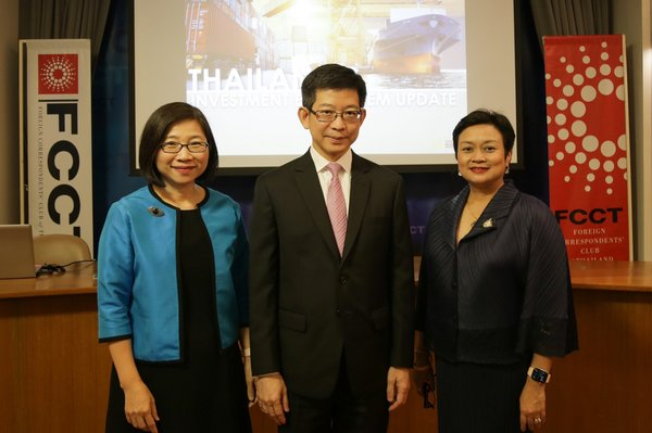"""Dr Kobsak Pootrakool, Secretary to Thailand's Council of Economic Ministers, Ms Duangjai Asawachintachit, Secretary General of the Thailand Board of Investment (BOI), and Ms Pimchanok Vonkorpon, Director-General of the Trade Policy and Strategy Office, or TPSO, at the Foreign Correspondent Club of Thailand in Bangkok, where they recently held a press conference about """"Thailand's investment ecosystem update""""."""