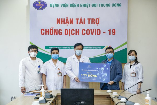 Representatives of CMC Corporation has given donation packages at the National Hospital of Tropical Diseases