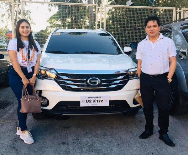 Dr. Noel Jusay Lacsamana receives his new GS4 SUV at GAC Dream Cars San Fernando