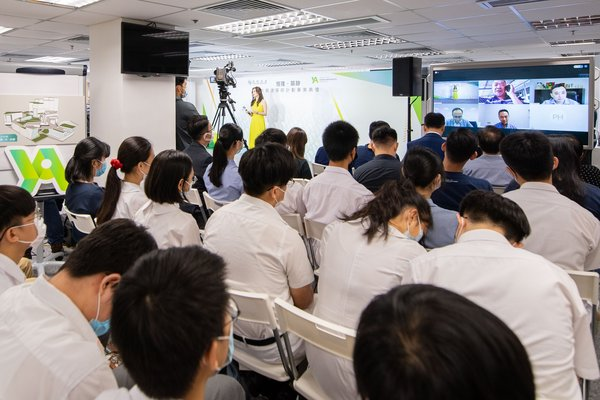Hang Lung Properties held the Graduation Ceremony of the Hang Lung Young Architects Program as a live webcast. Over 300 students and mentors joined the online ceremony to celebrate the achievements of our young architects.