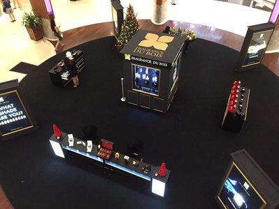 鸟瞰图:Fragrance Du Bois在罗敏申圣诞中庭圣诞季狂欢活动(12月11日至17日)中的展示台