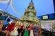 """海港城 2016年圣诞户外灯饰布置以""""Christmas Together""""为主题 ,并举行小雪翁圣诞派对。"""