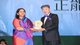 呂志和博士頒授「正能量獎」予伯樂林教育基金會行政總裁毓文妮.巴納吉博士。