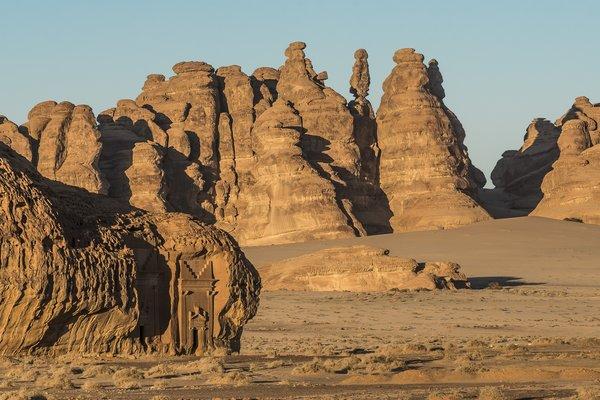 壮观的玛甸沙勒陵墓遗迹