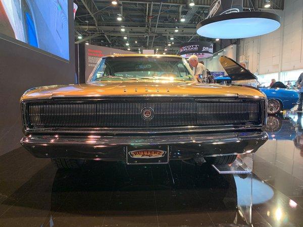 艾仕得2019年汽车年度色撒哈拉金棕定制版1966款道奇战马轿车