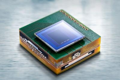 Microcamera module, with the image sensor mounted on the Printed Circuit board. (C) Fraunhofer IZM