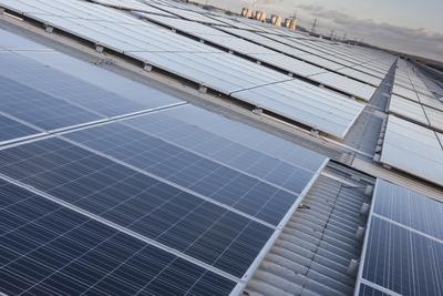 ET Solar Delivers 6.1MW PV Modules to UK's largest Commercial Rooftop Project