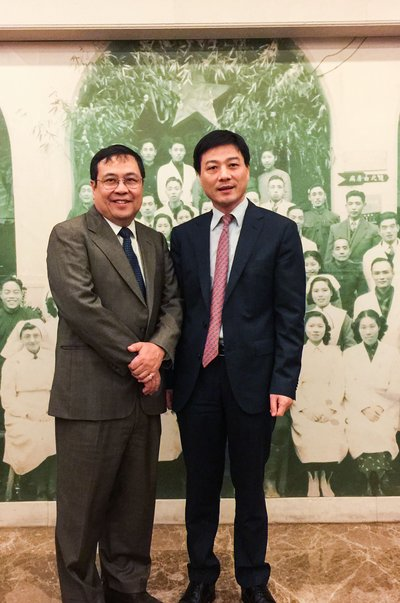 Dr. Yuman Fong, City of Hope's Chair of Surgery, visits SAHZU. City of Hope has established a Memorandum of Understanding (MOU) with the Second Affiliate Hospital of Zhejiang University (SAHZU) to bring its expertise in treating cancer to the Zhejiang region.