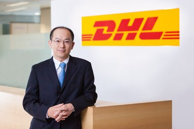 Steve Huang, CEO, DHL Global Forwarding China wins 'CEO of the Year' in Asia at IAIR Awards 2016