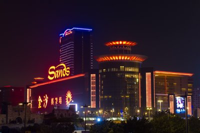 Sands Resorts Cotai Strip Macao and Sands Macao were lights off for one hour Saturday night in support of Earth Hour 2016.