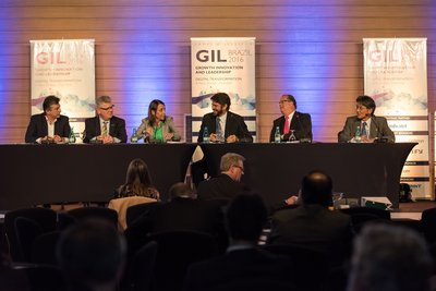 GIL 2016: Brazil - CEO Panel: How to shape Brazil's future. Moderator: Ricardo Sennes, Managing Partner, Prospectiva & General Coordinator for the Group of International Analysis, USP. Speakers: Dr. Claudio Lottenberg (Albert Einstein Israelite Hospital), Cristina Palmaka (SAP), Kazuhiro Ikebe (Hitachi), Luciano Corsini (Hewlett Packard Enterprise), Weber Porto (Evonik).
