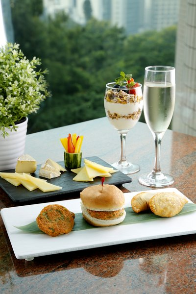 Cafe on 8 Launches the International Semi-Buffet Lunch & Weekend Afternoon Tea