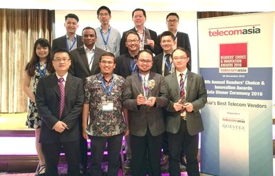 Huawei celebrating the win with XL Telecom at Telecom Asia Readers' Choice and Innovation Awards ceremony.