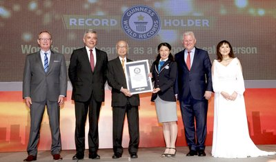 Joe Sun was officially awarded the certificate by adjudicator of the Guinness World Records on August 2, 2017. Present at the ceremony were Michael Huddart, Executive Vice President and General Manager for Greater China and Emerging Markets, Manulife (second from right); Guy Mills, Chief Executive Officer, Manulife Hong Kong (second from left); Lawrence Nutting, Chief Distribution Officer, Manulife Hong Kong (first from left); and Kareen Chow, Chief Agency Officer, Manulife Hong Kong (first from right).
