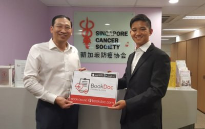 (left) Mr Albert Ching CEO of Singapore Cancer Society and Dato Chevy Beh, CEO and Founder of BookDoc