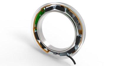 传感器系统以高解析度在五大空间方向(三大平移方向和两大旋转方向)测量主轴在工作负载下的位移情况。这就意味着舍弗勒可以监测主轴载荷,保护主轴轴承免于发生破坏性过载。