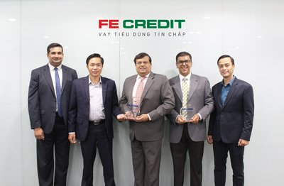Senior Management Team of FE CREDIT with the CEPI Asia Awards