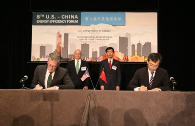 Foton Motor Signs a Cooperation Memorandum With Cummins at the U.S.-China Energy Efficiency Forum and Launches the Second Stage of the