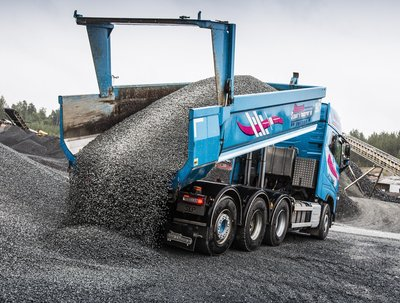 SSAB Introduces the Hardox(R) 500 Tuf - A New Generation Wear Plate for Tipper Bodies, Buckets and Containers