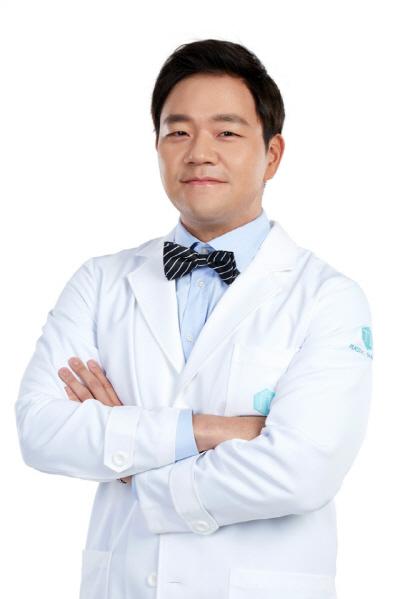 韓国整形TL整形外科、顎縮小手術「顔の全体的な比率とバランスを考えて」