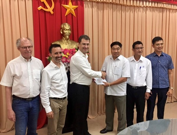 Signing of Vi Thanh sanitation contract in Hau Giang Province in South Vietnam
