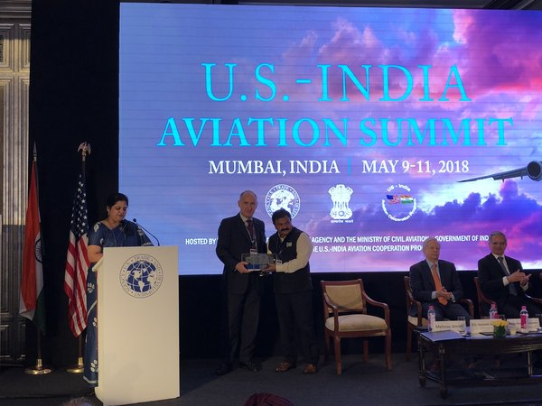Smiths Detection commemorates multi-million contract by Airports Authority of India at U.S. - India Aviation Summit