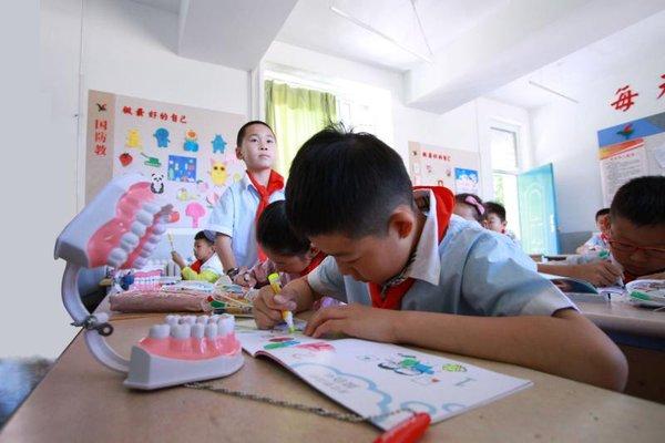 """""""护牙助成长,欢笑在中国""""活动走进宁夏银川"""