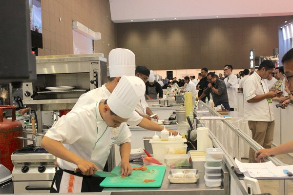 The 1st Asian Gourmet Food Challenge di Hotelex Indonesia 2018