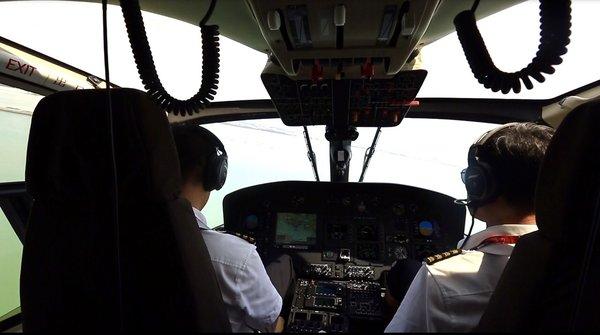 首航直升机积极响应,参与恶劣天气下的应急保障工作