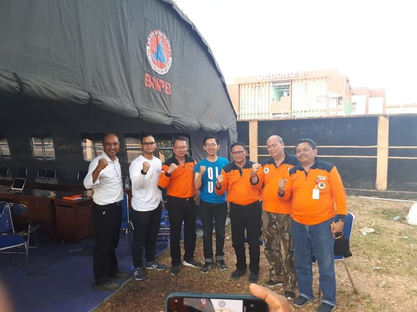 Qlue team with Chief of The National Board for Disaster Management (BNPB) Willem Rampangilei