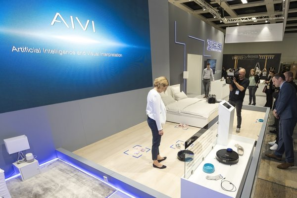 ECOVACS ROBOTICS Unveils AI Technology for Floor Cleaning