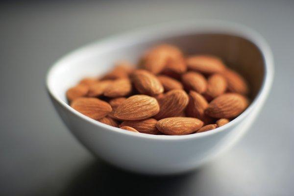 科研结果表明,将加州巴旦木加入健康食谱有助于病情控制较好的2型糖尿病患者改善长期血糖水平