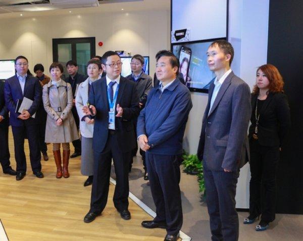 上海市委常委、浦东新区区委书记翁祖亮考察七牛云