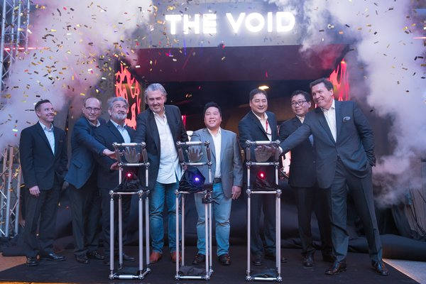 (5th from left) Mr. Hui Lim, Executive Director & Chief Information Officer of Genting Malaysia Berhad, (6th from left) Mr. Craig Watson, Chairman & Chief Executive Officer of The VOID together with their respective management teams at the launch of the first permanent The VOID experience centre in Asia at Resorts World Genting.