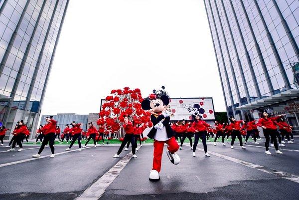 米奇亲临重庆IFS和重庆时代广场