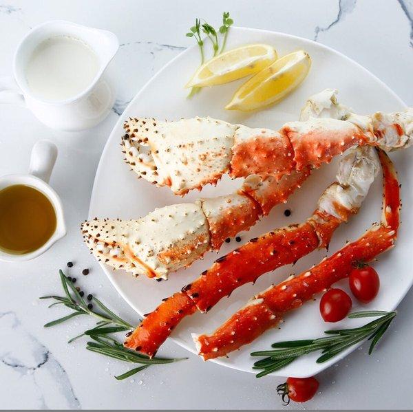 Member's Mark冷冻帝王蟹腿,捕捞后快速加工并熟冻的工艺,全程冷链运输到门店,保证海鲜商品的营养安全性从深海到餐桌始终如一。