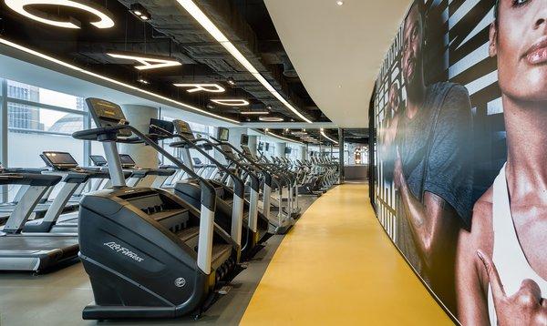 配备世界一流健身设备的 ATLAS Fitness 寰图健身工房