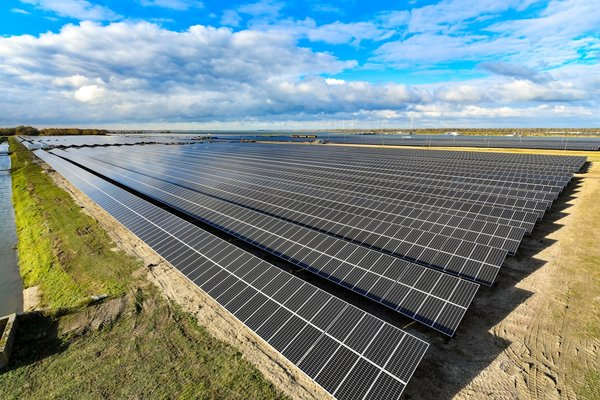 Suntech 27MW PV modules come into full operation at Shell's first large scale photovoltaic project built by Biosar