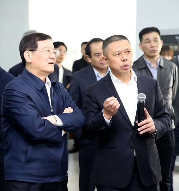 中央统战部副部长徐乐江到天合光能调研