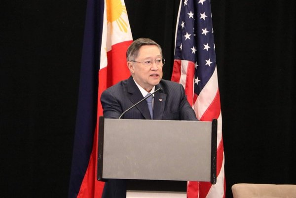 Secretary Carlos G. Dominguez III (Cabinet Secretary, Department of Finance, Republic of the Philippines) at the Philippine Day Forum during the World-Bank Meetings in Washington, D.C.