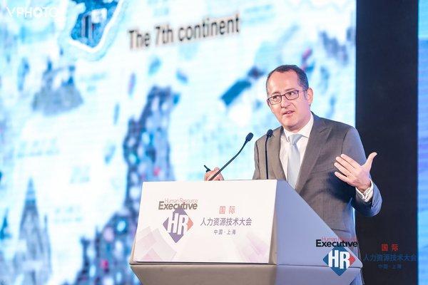 罗兰贝格高级合伙人、大中华区执行合伙人、亚洲区联席总裁、全球监事会副主席戴璞发表主题演讲