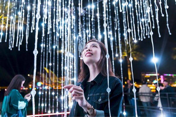 Chinese Talent Takes Centre-Stage at Vivid Sydney