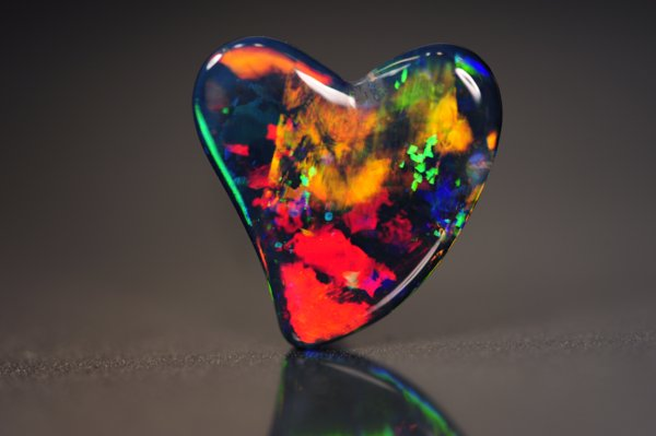 Australia Pavilion Highlights Opal Suppliers