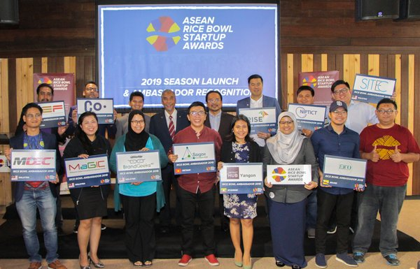 Rice Bowl Ambassadors that comprised of representatives from all over Southeast Asia receiving the recognition at the launch of the 2019 season of ASEAN Rice Bowl Startup Award.